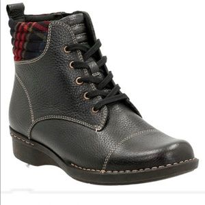 Clark's Whistle Bea Black Leather Ankle Boots 8